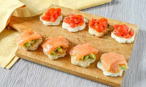 Tartine avocado e salmone