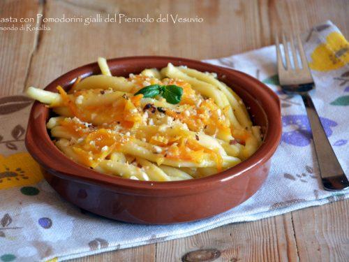 Pasta con Pomodorini gialli del Piennolo del Vesuvio