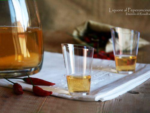 Liquore al Peperoncino (Ricetta tradizionale e Bimby)