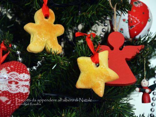 Biscotti da appendere all'albero di Natale
