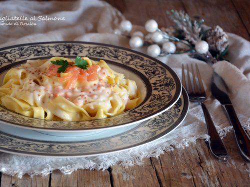 Tagliatelle al salmone (Ricetta tradizionale e Bimby)