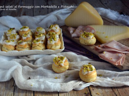 Bignè salati al Formaggio con Mortadella e Pistacchi (Ricetta tradizionale e Bimby)