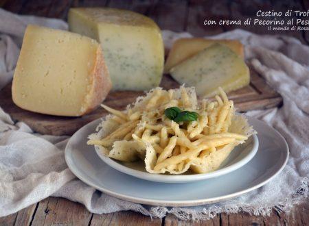 Cestino di Trofie con crema di Pecorino al Pesto (Ricetta tradizionale e Bimby)