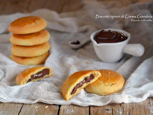 Biscotti ripieni di Crema Gianduia (Ricetta tradizionale e Bimby)