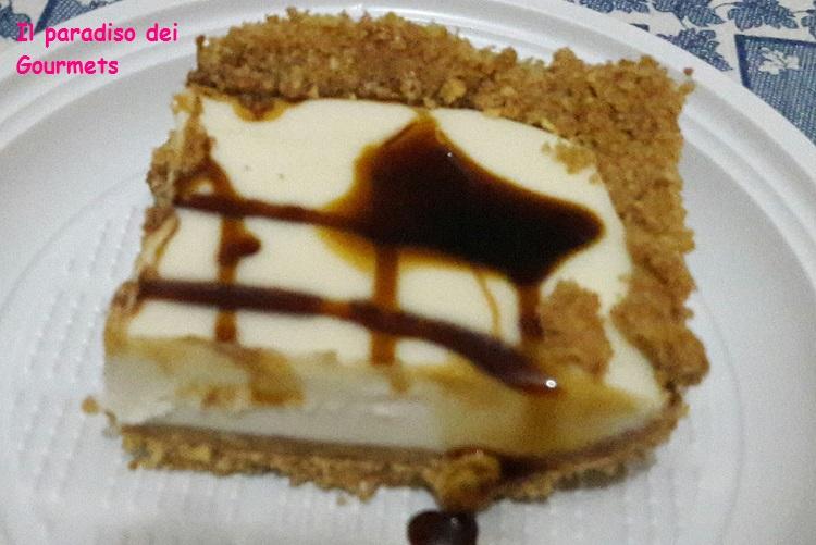 Cheesecake fredda con panna cotta e caramello