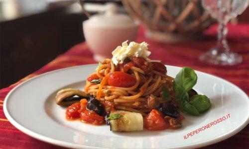Spaghetti Siciliana melanzane capperi e olive