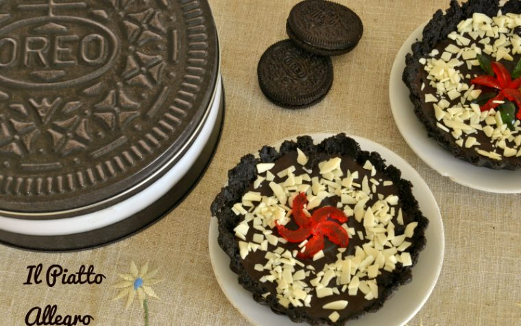Crostatine al cioccolato fondente con Oreo