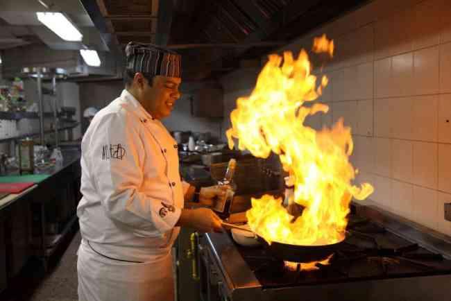 Chef rotisseur (responsabile delle preparazioni arrostite)