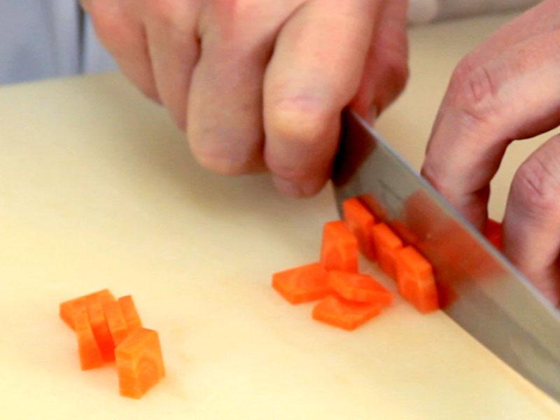 Il taglio degli alimenti il portale di francesco for Cucinare definizione