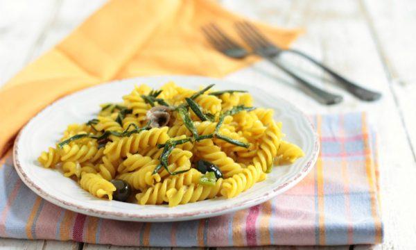 Fusilli con alici  olive e paccasassi