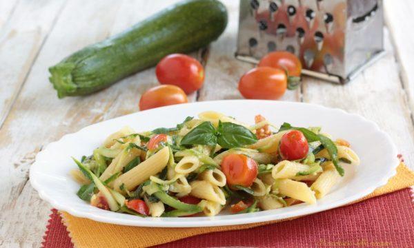 Pennette pomodorini e zucchine