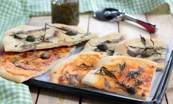 Pizza con alici e paccasassi