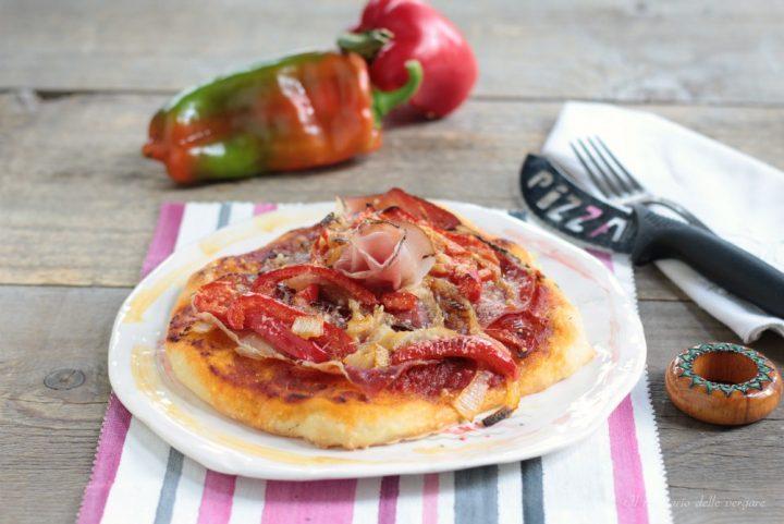 Pizza  ai peperoni con lievito madre