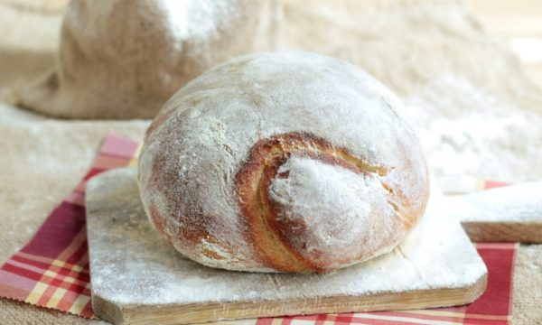 Pane di semola con pasta madre