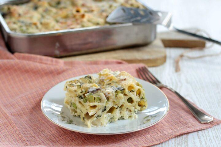 Pasta al forno  in bianco con verdure