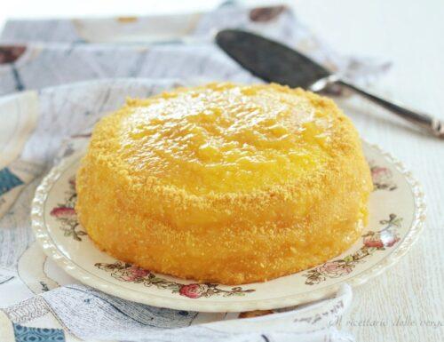 Torta farcita con composta di mango