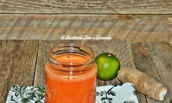 Smoothie papaya, lime e zenzero