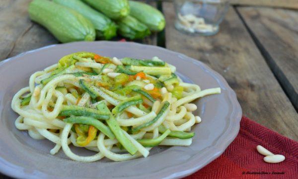 Ciriole zucchine e pinoli