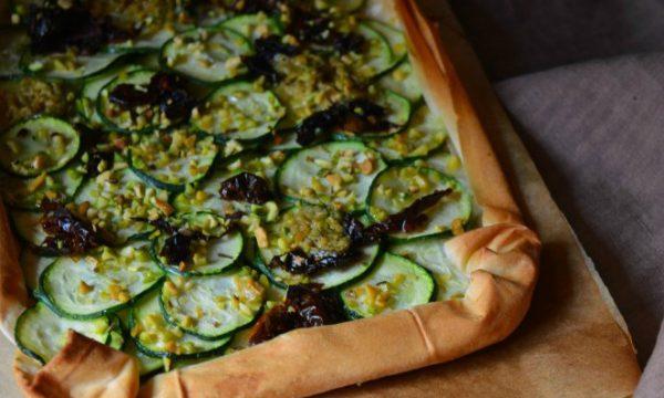 Torta salata con zucchine e pasta fillo