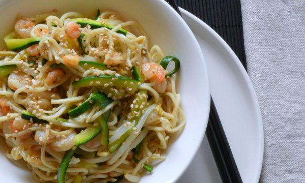 Noodles zucchine e gamberetti