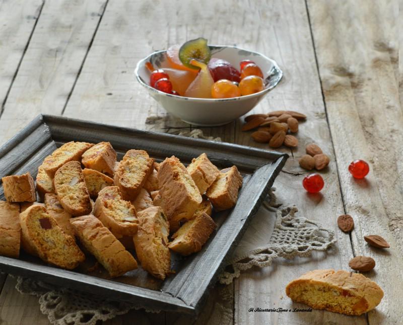 Dolci Da Credenza Biscotti Alle Nocciole : Biscotti con frutta candita e mandorle il ricettario timo lavanda