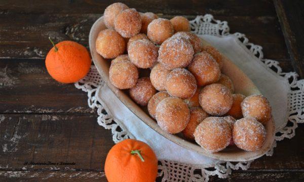 Castagnole con succo di mandarino