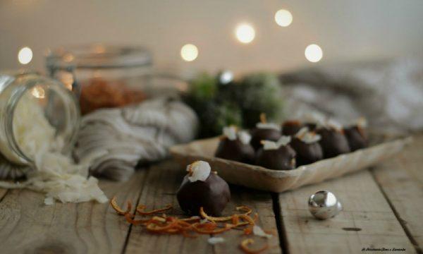Tartufini al cocco e arancia