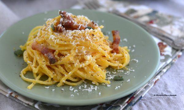 Spaghetti con crema di zucca e ricotta