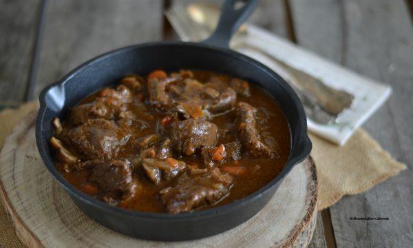 Boeuf bourguignon la ricetta tradizionale francese