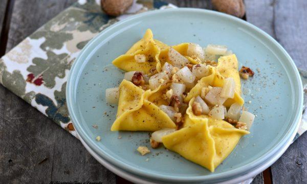 Fagottini gorgonzola, pere e noci