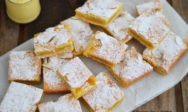 Crostata ripiena al limone