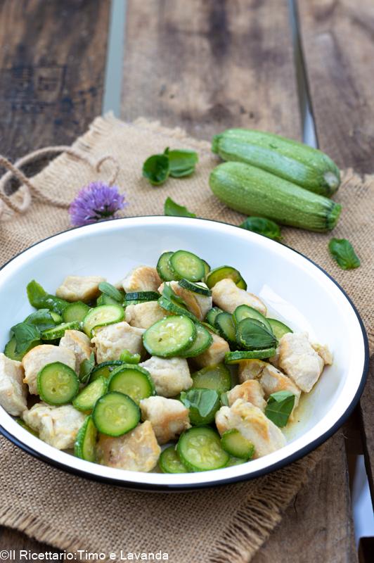 Bocconcini di pollo alle zucchine