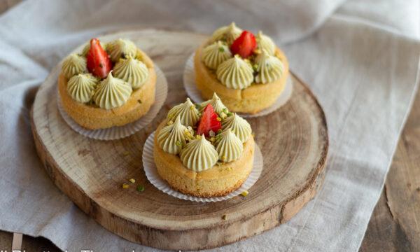 Tartellette al pistacchio e fragole