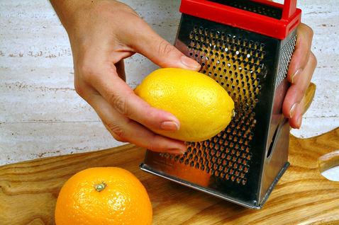 Come Grattuggiare Il Limone