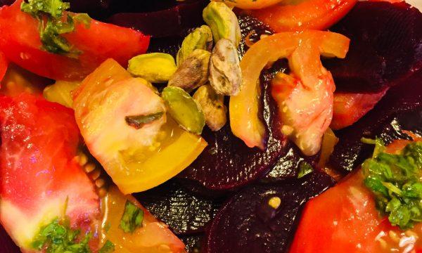 Insalatone con rape e pomodori