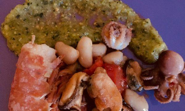 insalata di mare con salsa di zucchine