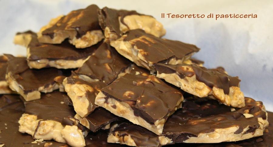 Torrone alle mandorle e cioccolato bicolore