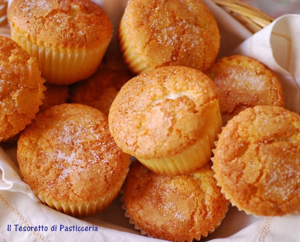 Muffin dolci semplici all'olio d'oliva