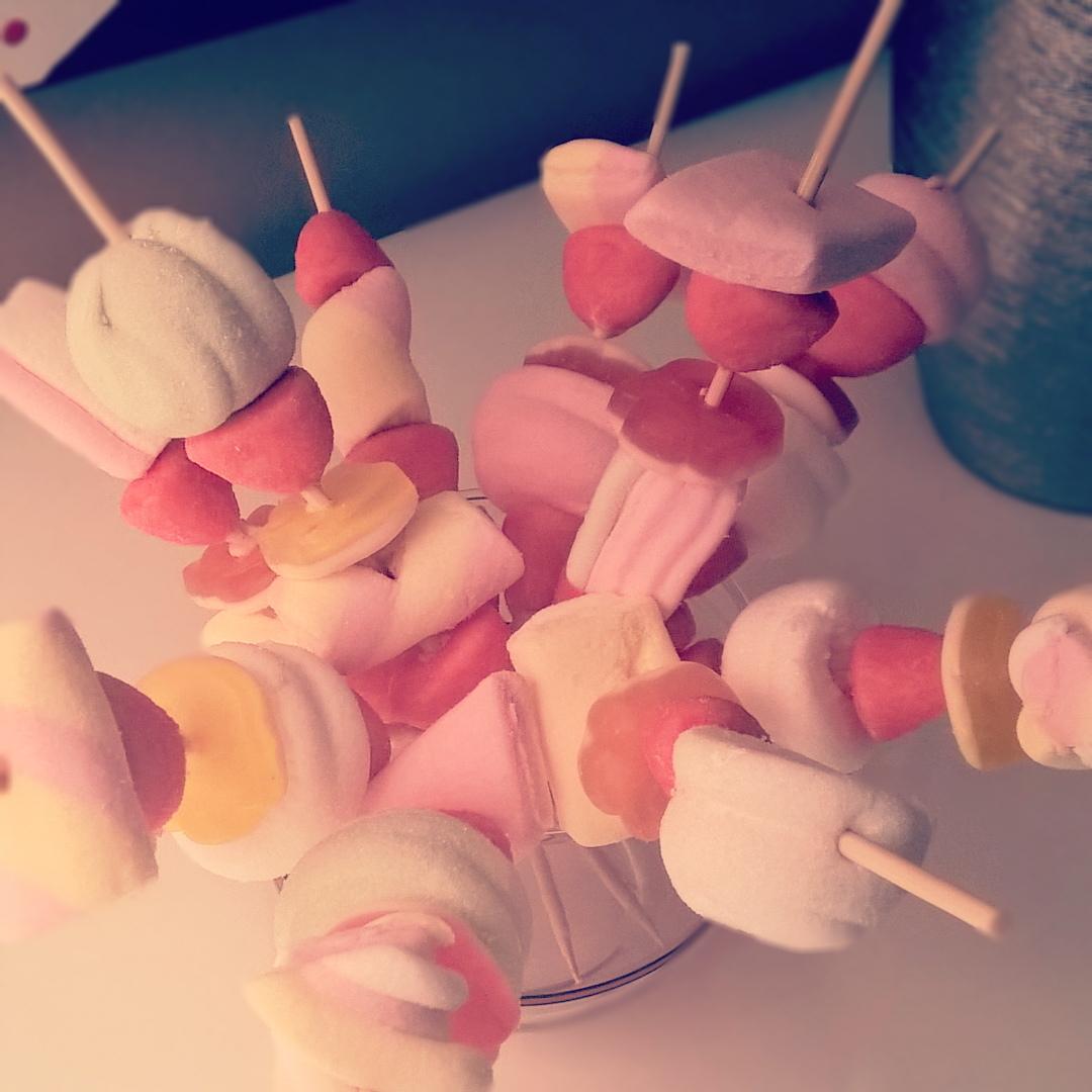 Marshmallow - Centrotavola di Spiedini di Caramelle