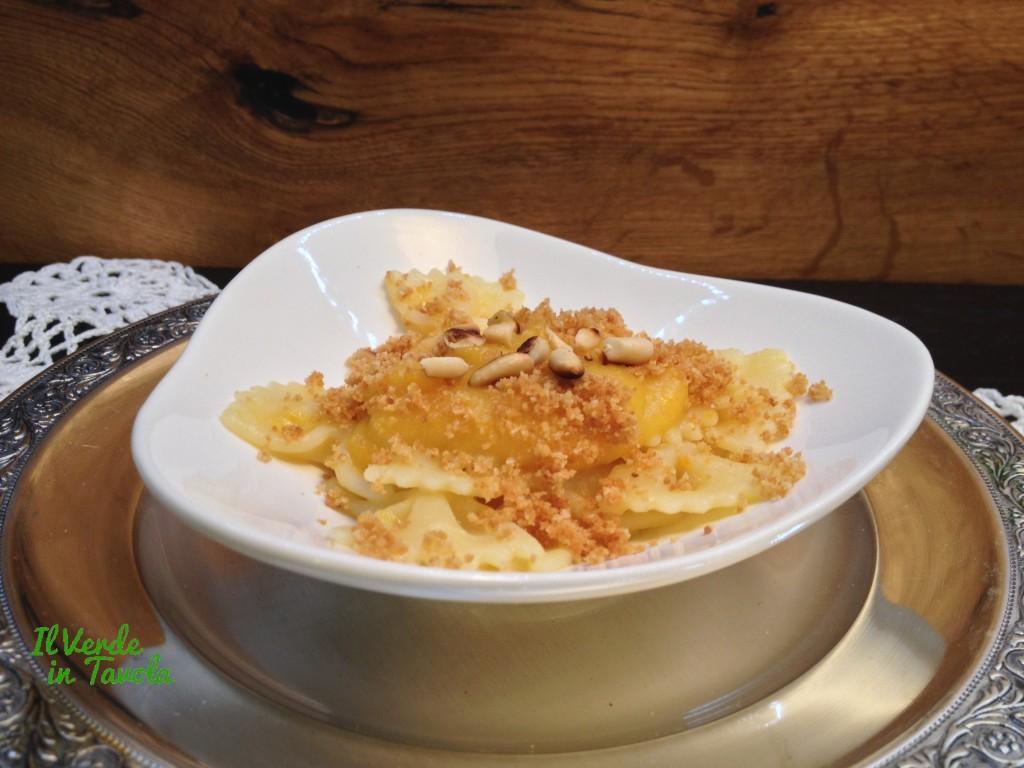 farfalle vegane con crema di patate e zucca1