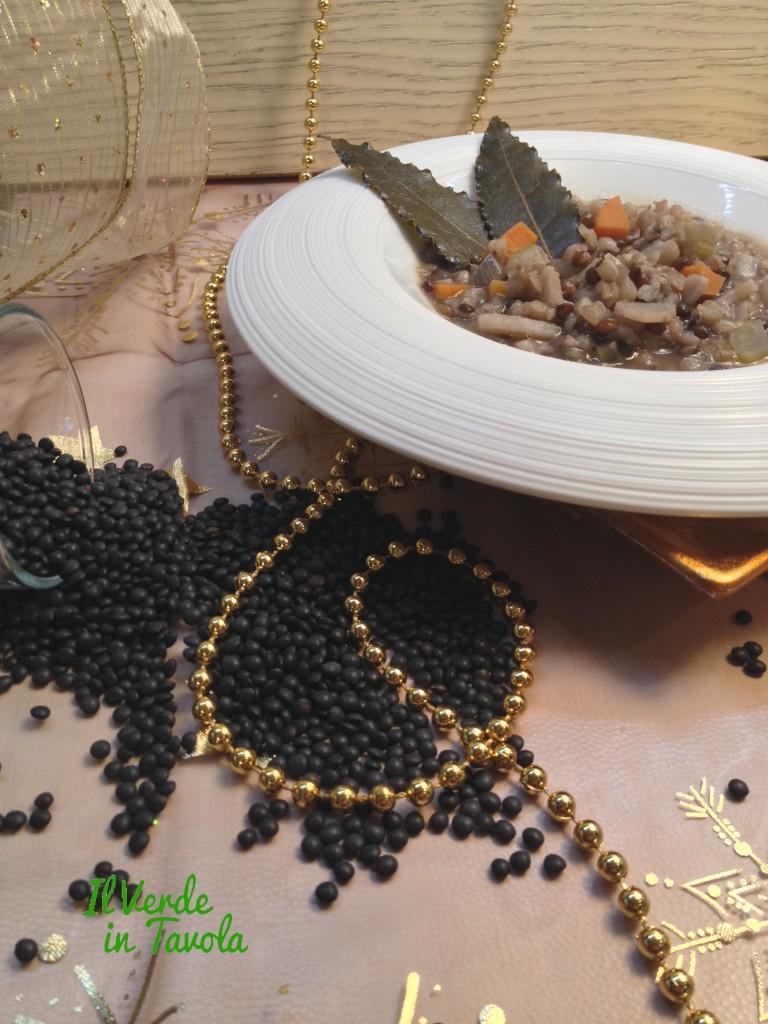 zuppa di grano saraceno, lenticchie nere e patata dolce
