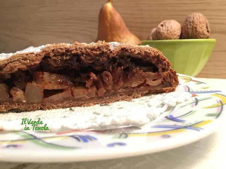 Strudel vegano cioccolato. pere e noci
