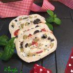 rotolo stracchino, olive e pomodorini