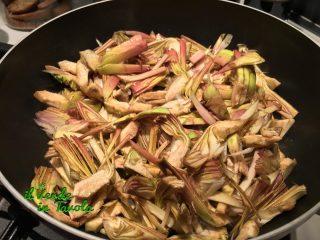 Crepes con carciofi e mozzarella