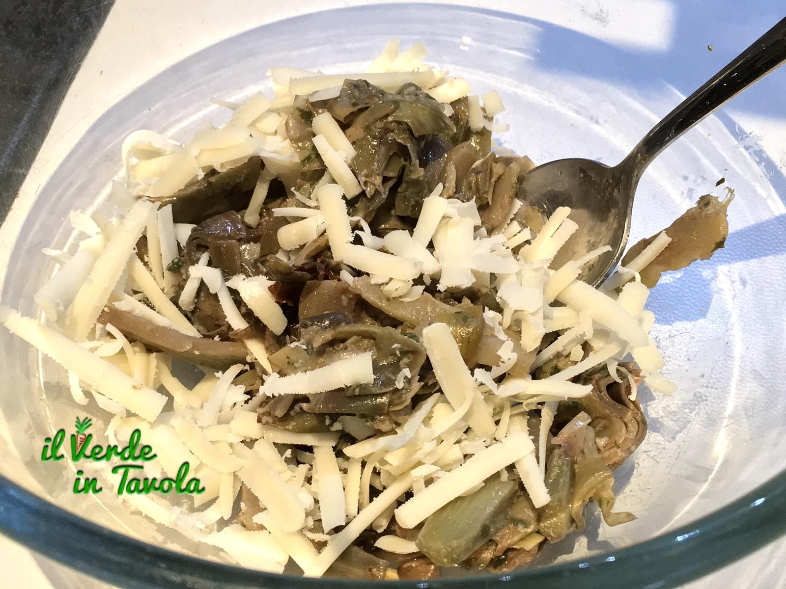 mescolate ai carciofi 2/3 del provolone
