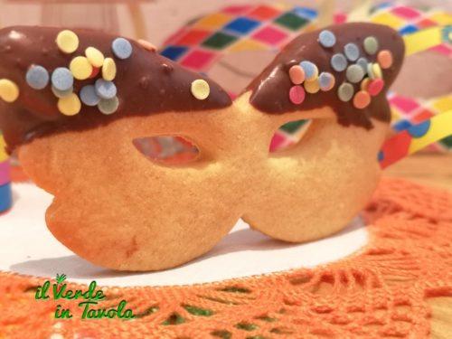 Biscotti mascherine di Carnevale al cioccolato la ricetta
