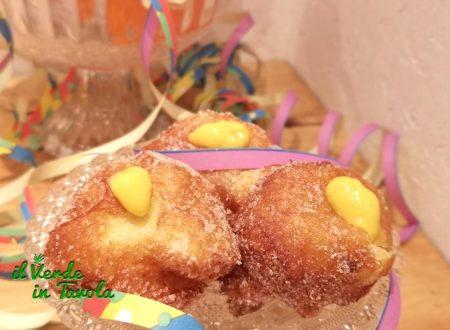 Frittelle di Carnevale ripiene di crema pasticcera all'arancia la ricetta