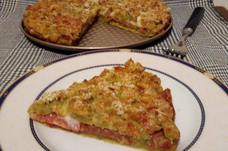 SBRICIOLATA SALATA DI ZUCCHINE con salame e mozzarella