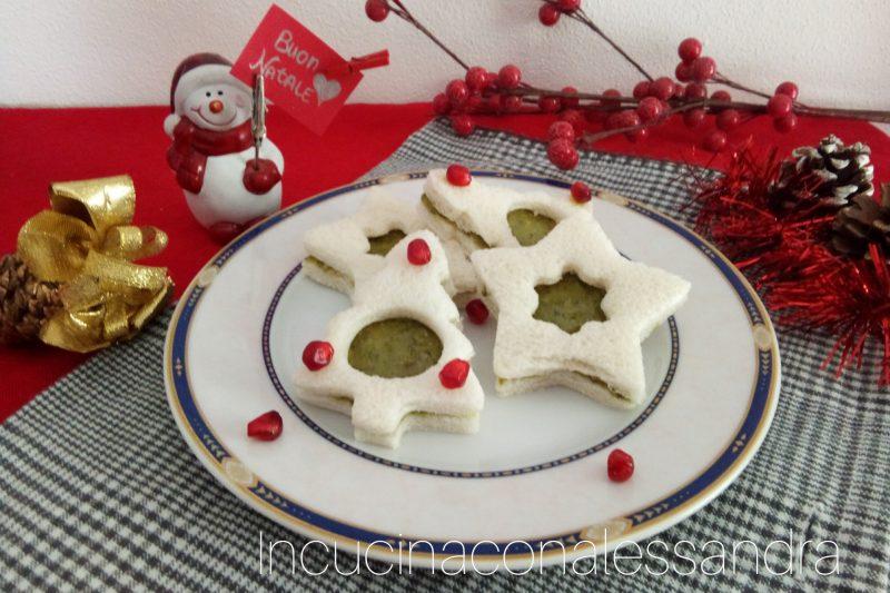 Tartine natalizie al pesto