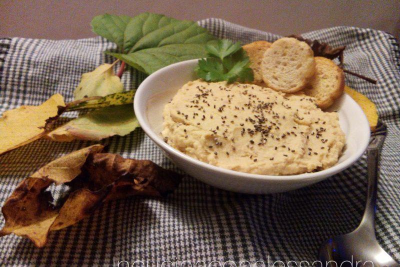 Hummus di ceci con semi di Chia ( senza tahina)